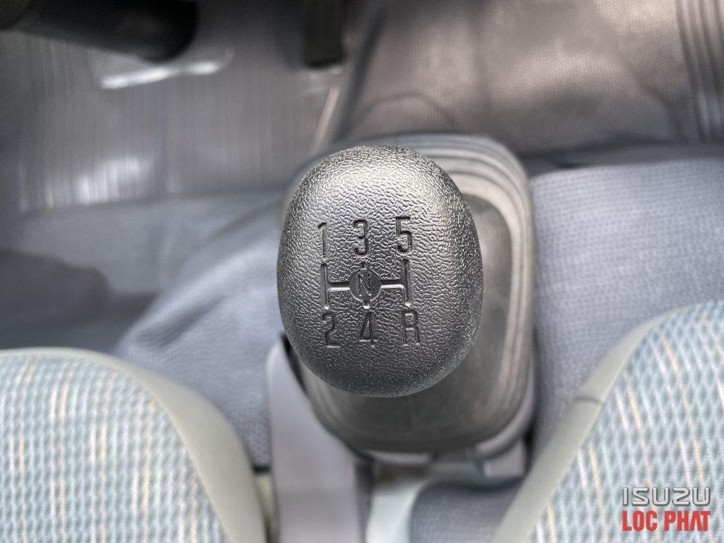 xe-tai-isuzu-qkr270-thung-lung-8