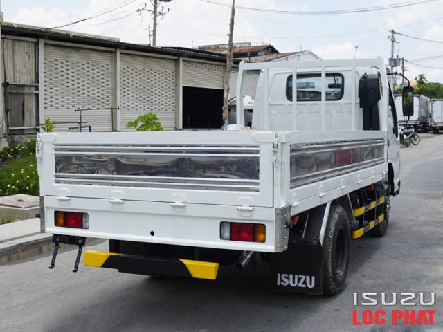 xe-tai-isuzu-qkr230-thung-lung-9